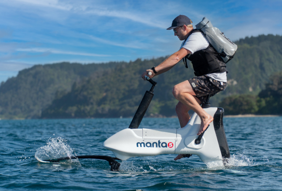 E_Manta5 Cannes Yachting Festival Boatim