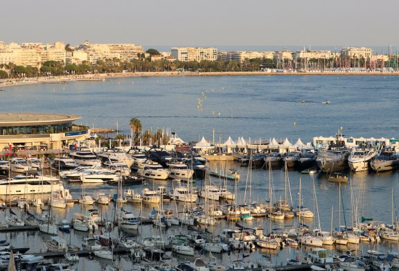 E_Old Port Cannes Yachting Festival 2021 Boatim