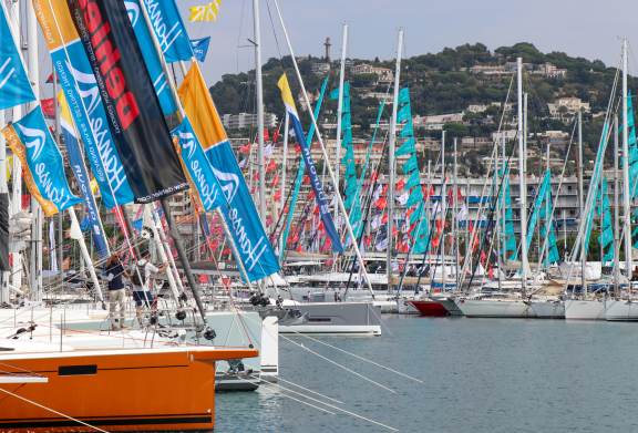 E_Port Canto Cannes Yachting Festival 2021 Boatim